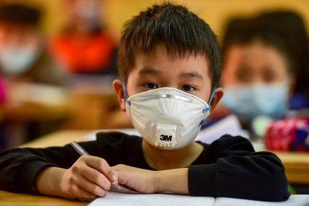 Hà Nội cho học sinh tạm dừng đến trường từ ngày 4/5 cho đến khi có thông bá