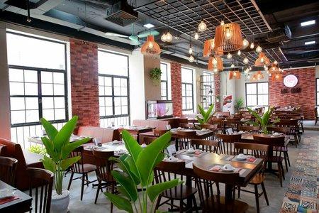 Cửa hàng ăn, uống trong nhà phải đảm bảo giãn cách chỗ ngồi tối thiểu 2m