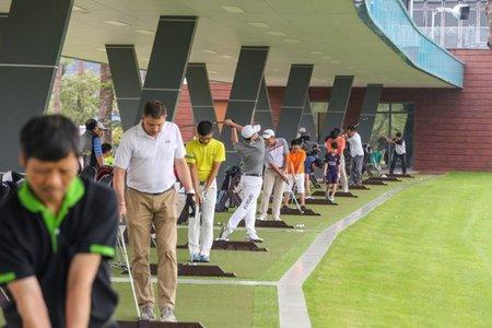 Từ 12h ngày 13/5: Hà Nội tạm dừng hoạt động sân golf, hoạt động thể thao
