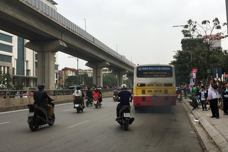 Hà Nội sẽ dần thay thế đội xe buýt nhả khói đen