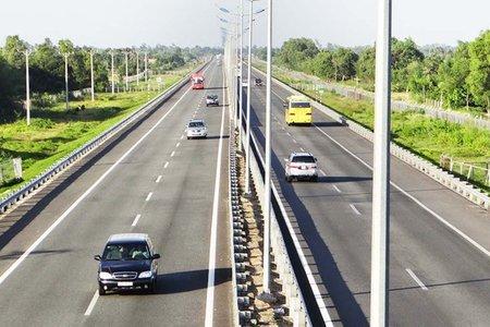 Gấp rút bàn giao mặt bằng cho các dự án cao tốc Bắc - Nam