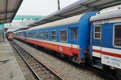 Ảnh hưởng bởi dịch COVID-19, doanh thu vận tải đường sắt sụt giảm mạnh