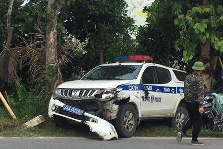 Xe tuần tra CSGT gây tai nạn khiến nữ sinh 14 tuổi tử vong