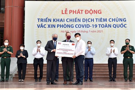 Thủ tướng phát động Chiến dịch tiêm vaccine phòng COVID-19 toàn dân: Mục tiêu miễn phí