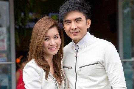 Ca sĩ Đan Trường và vợ là doanh nhân nói gì sau ly hôn?