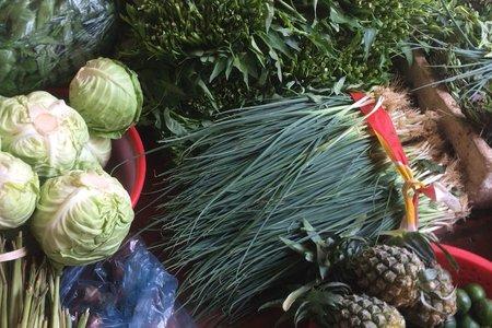 Hà Nội tiếp tục giãn cách, giá rau củ quả tăng