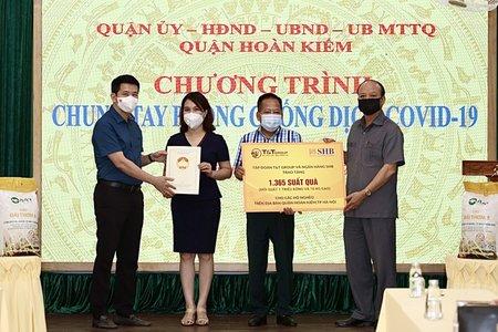 T&T Group và SHB trao tặng 1.365 suất quà hỗ trợ người nghèo quận Hoàn Kiếm, Hà Nội