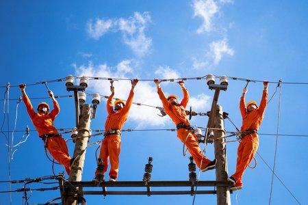 Giảm tiền điện cho 3 nhóm đối tượng khó khăn do Covid-19