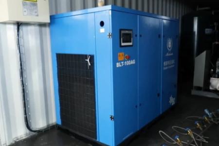 Nhà máy máy sản xuất oxy của của ông Dũng ''lò vôi'' có thể cung ứng 1.600 bình một ngày