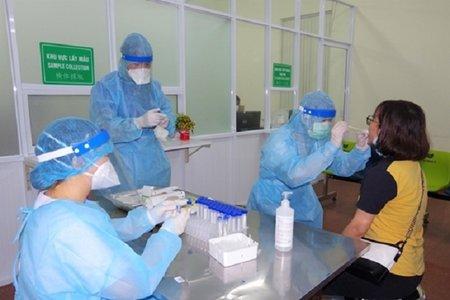 Thí điểm tiêm 2 mũi vaccine được đi lại bình thường một số tỉnh thành