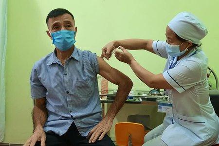 Hà Nội đang phủ sóng tiêm vaccine toàn dân