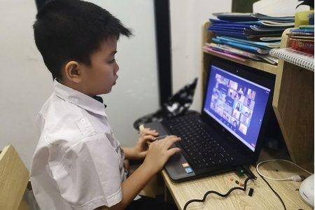 Hà Nội kêu gọi quyên góp được hơn 2.000 máy tính và điện thoại cho trẻ em học online