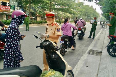 Hà Nội tiếp tục duy trì các chốt kiểm soát ra vào thành phố